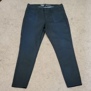 NWOT Mossimo Jeggings size 10